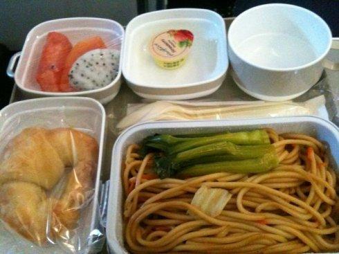 空中吃货:盘点各国航空公司飞机餐_图1-23
