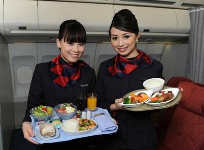 空中吃货:盘点各国航空公司飞机餐_图1-2