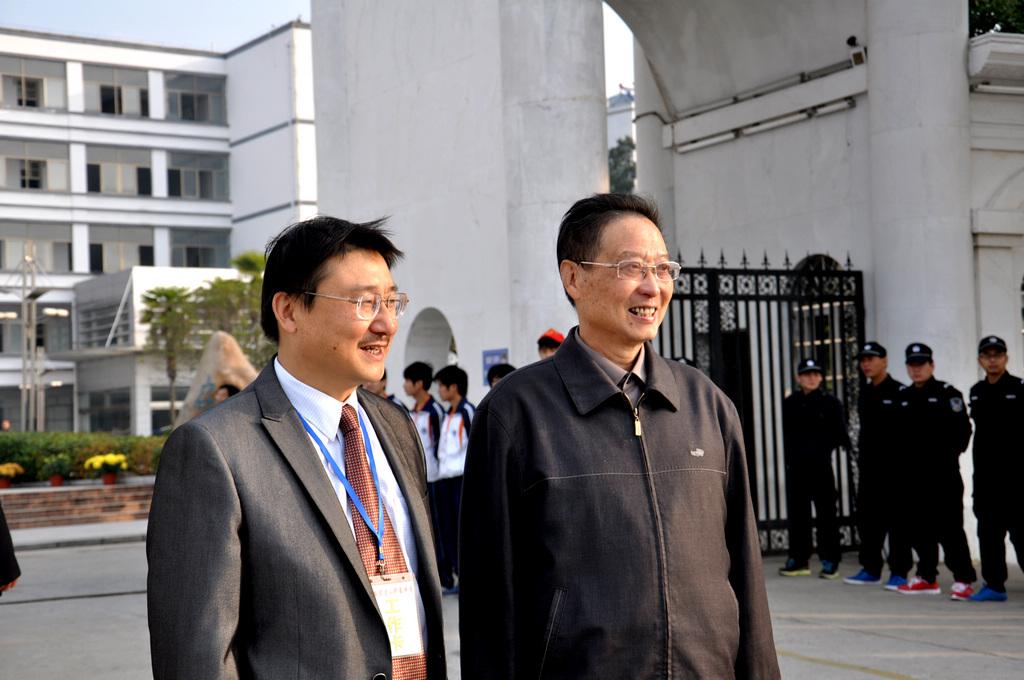野寨中学举行建校70周年校庆日活动_图1-22