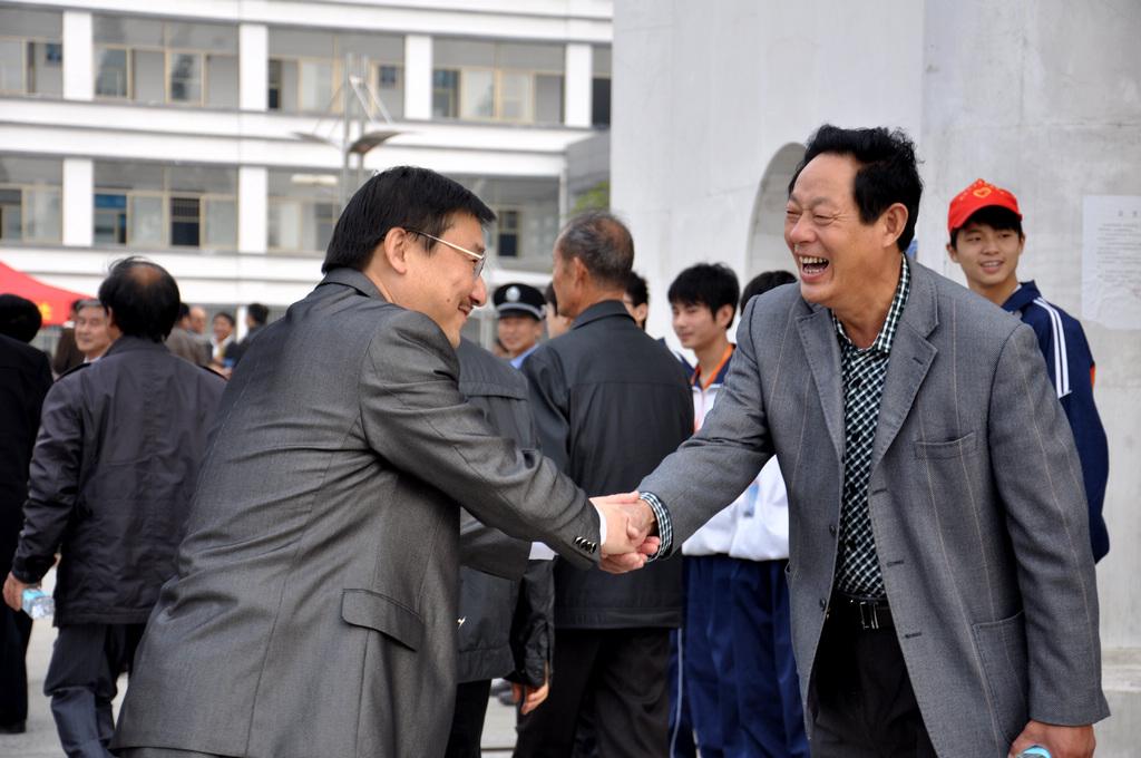 野寨中学举行建校70周年校庆日活动_图1-63