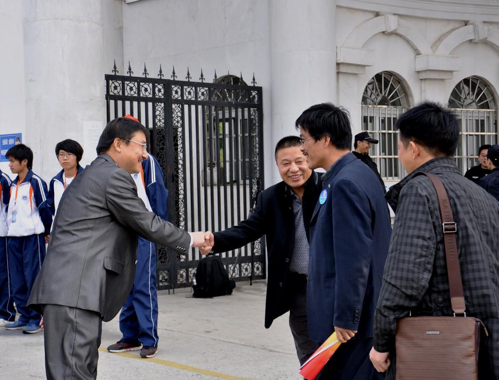 野寨中学举行建校70周年校庆日活动_图1-78