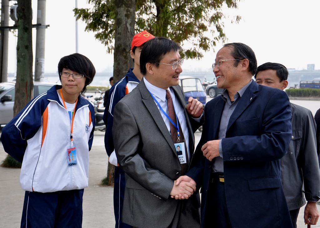 野寨中学举行建校70周年校庆日活动_图1-145