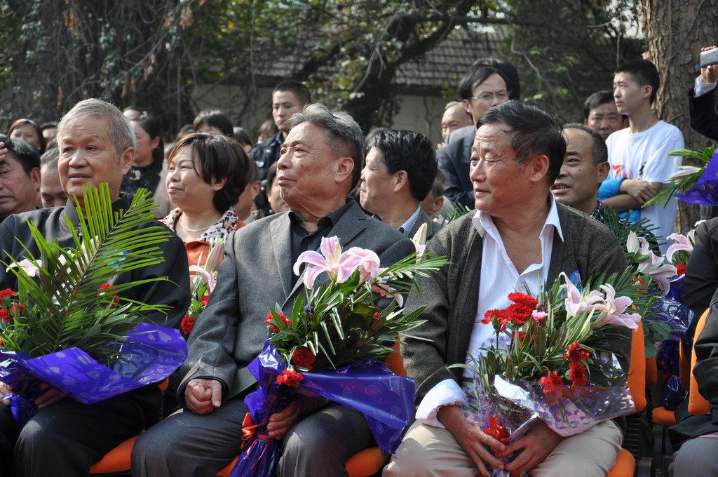 野寨中学举行建校70周年校庆日活动_图1-92
