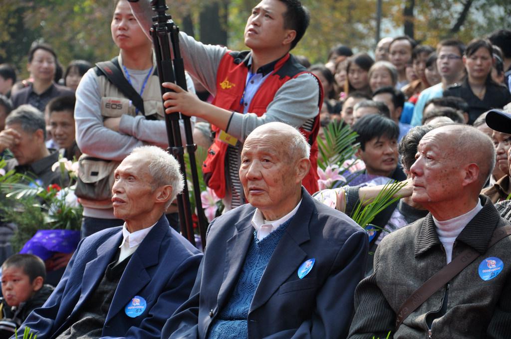野寨中学举行建校70周年校庆日活动_图1-93