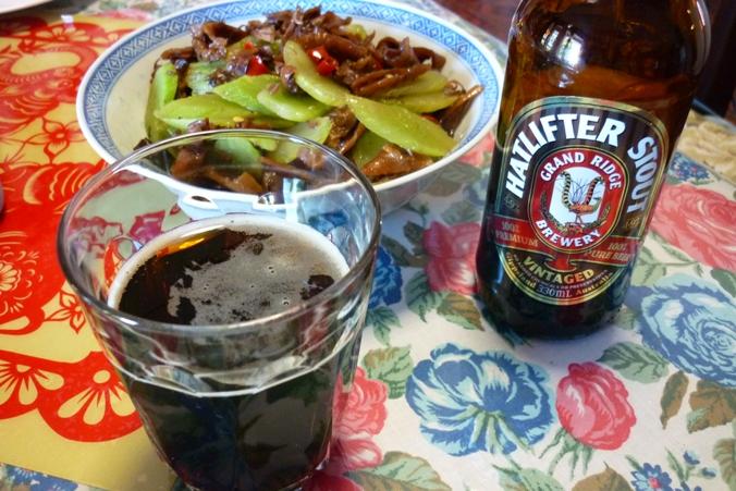 《江南小菜》——肉吃多了,换换口味。莴笋炒(小)鱿鱼干 ..._图1-4