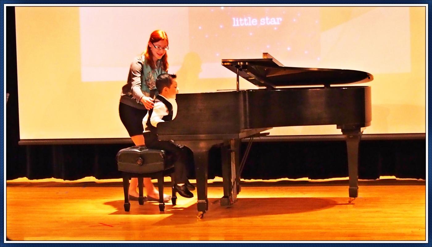 美国豆的钢琴首演_图1-2