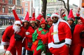曼哈顿今天满街圣诞老人雪中派对!!