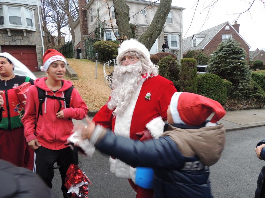 聖誕老人進城了_图1-5