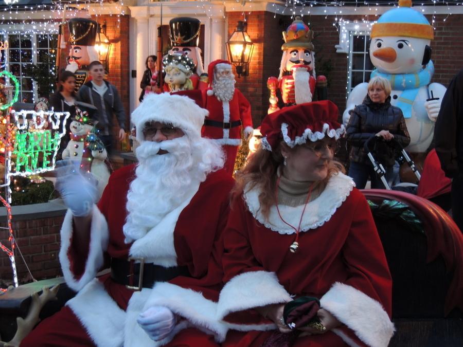 聖誕老人進城了_图1-8