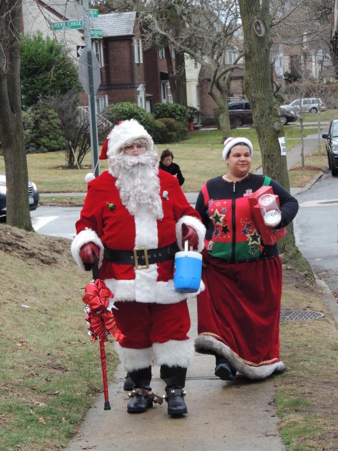 聖誕老人進城了_图1-3
