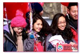 法拉盛游行的中文网队伍-行前畜势