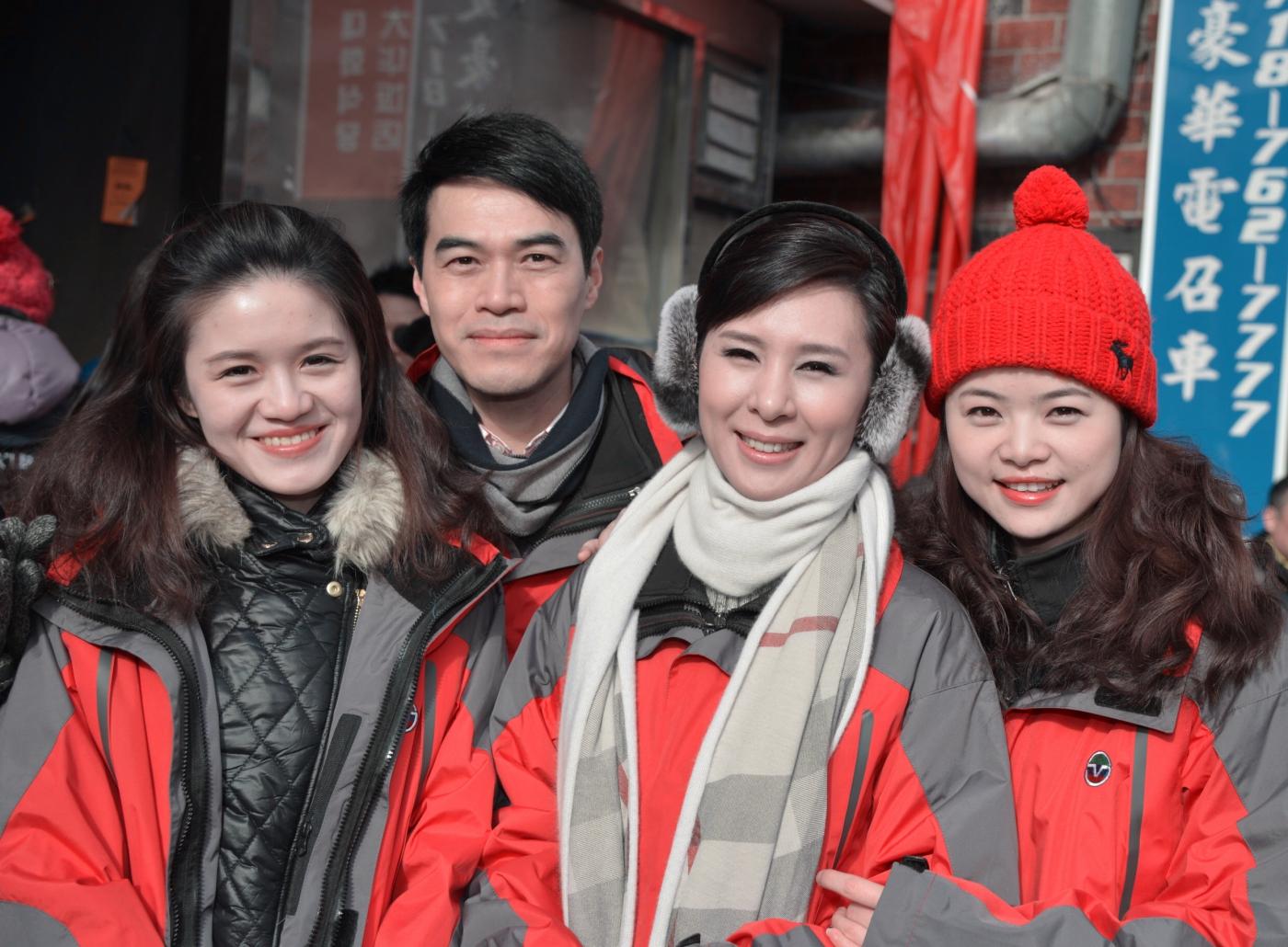 美国中文电视台的美丽女主播。_图1-5