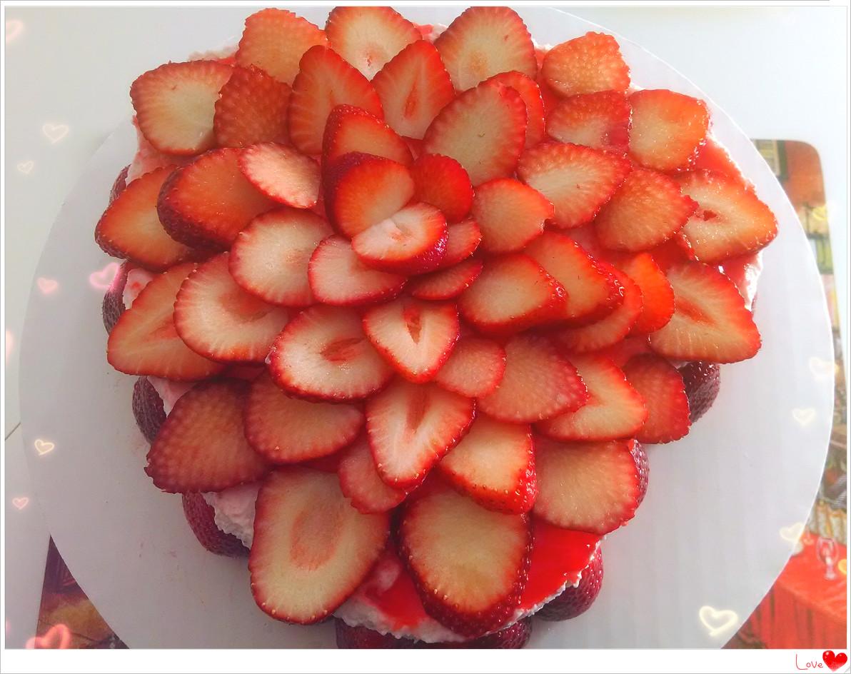元宵节+情人节快乐! 分享如花般的草莓奶酪慕斯蛋糕_图1-1