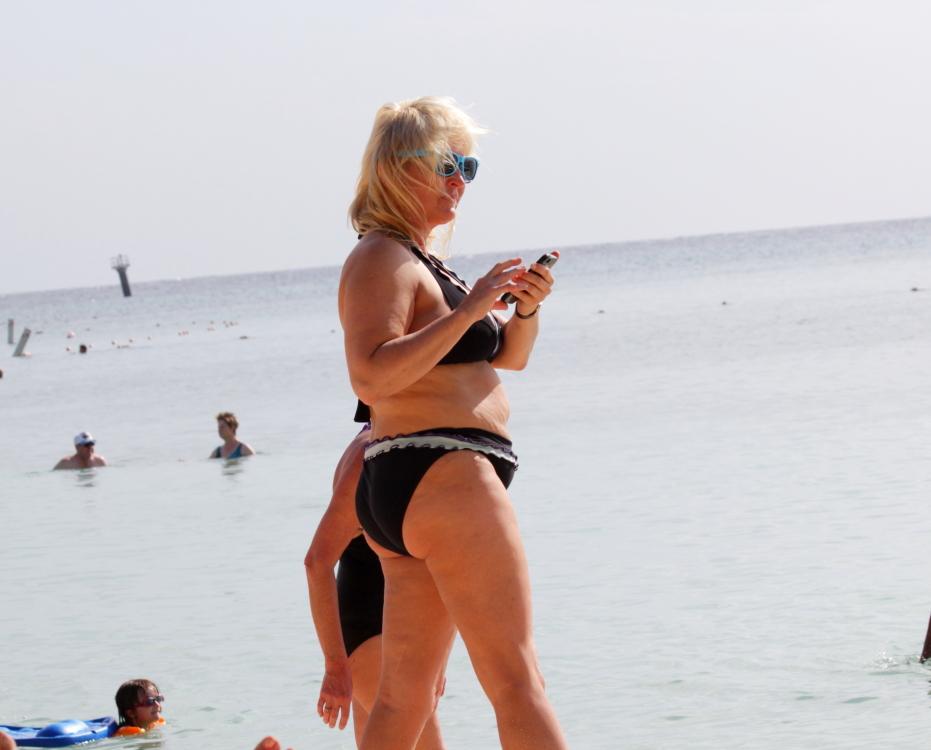 加勒比海滩人物掠影_图1-5