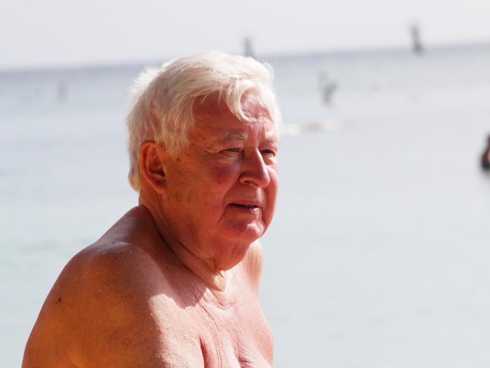 加勒比海滩人物掠影_图1-7