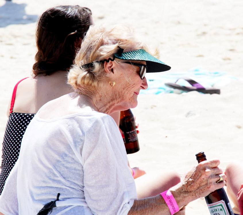 加勒比海滩人物掠影_图1-13