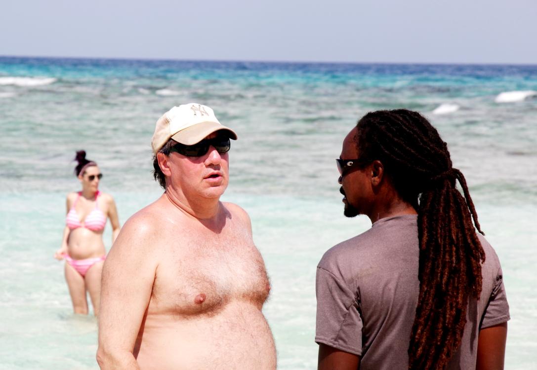 加勒比海滩人物掠影_图1-17