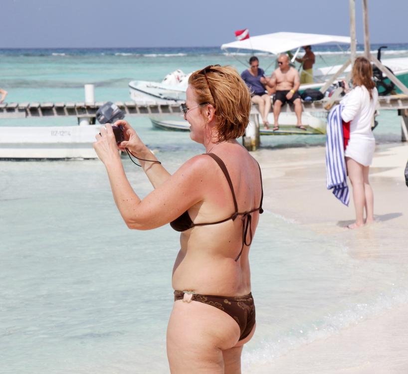加勒比海滩人物掠影_图1-22