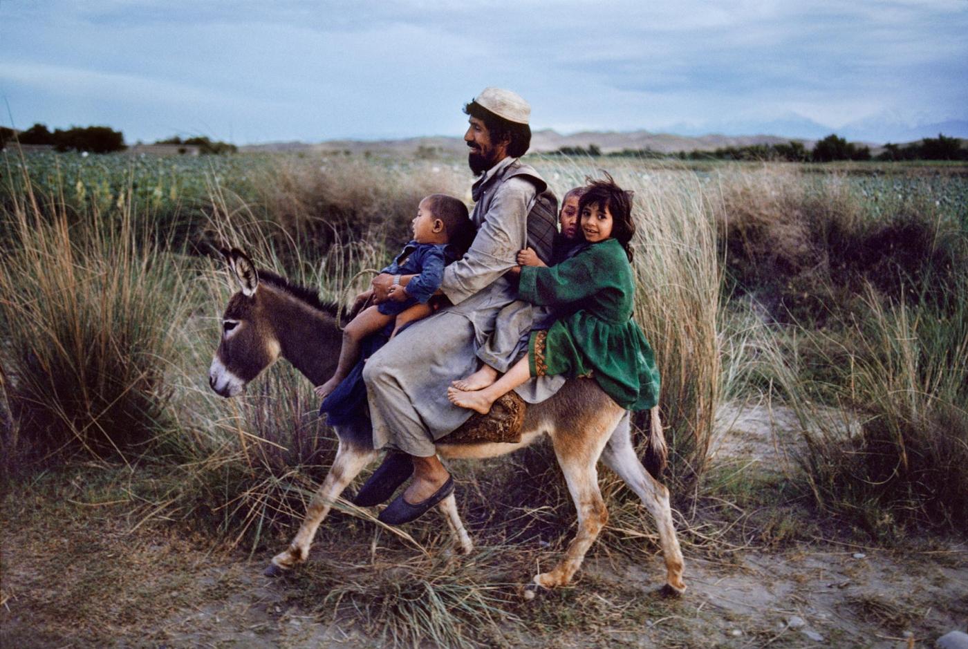【攝影蟲】殿堂級的攝影記者 Steve McCurry_图1-7