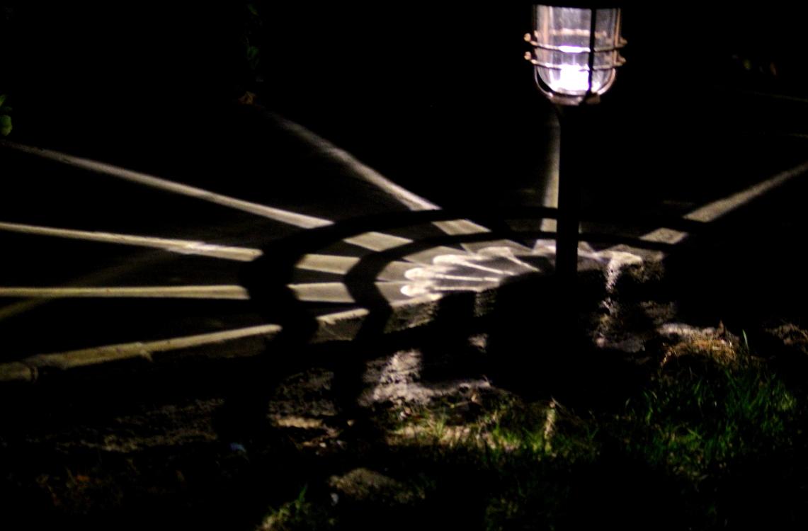 太阳能路灯的光影艺术