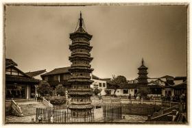 【自由鸟】千年五代砖塔―双塔,给上海增添