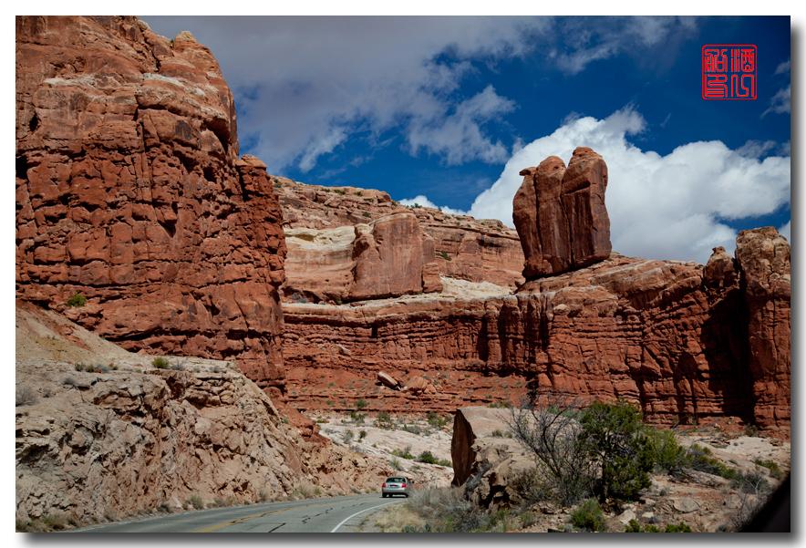 《酒一船》:拱门国家公园 - 西行大环圈之三_图1-3