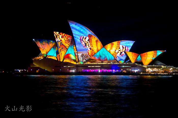 悉尼歌剧院披盛装