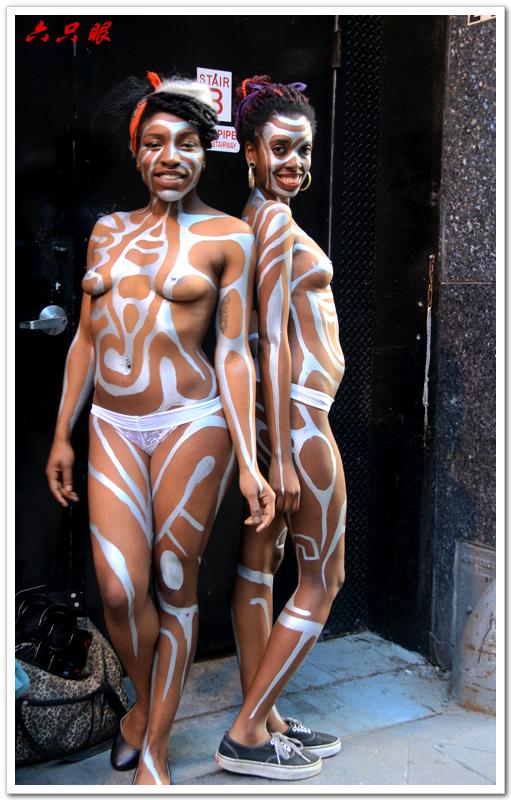 六只眼:曼哈顿街头裸女_图1-3