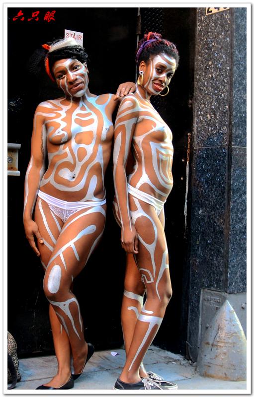 六只眼:曼哈顿街头裸女_图1-4