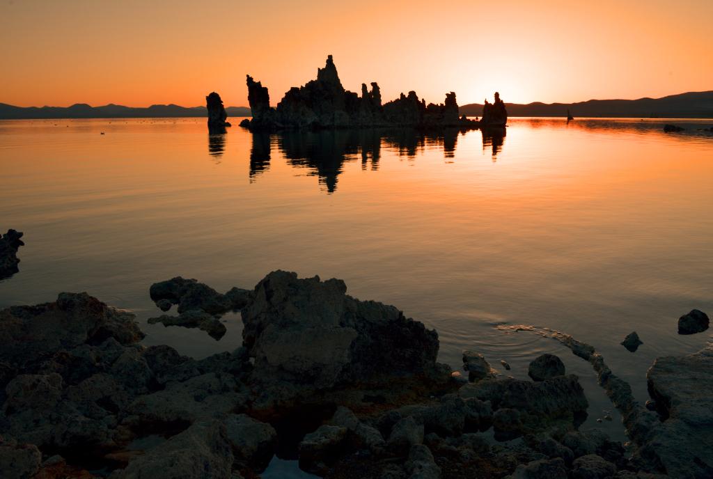 莫诺湖(Mono Lake)的尊容_图2-1