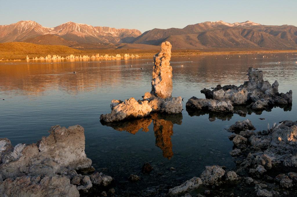 莫诺湖(Mono Lake)的尊容_图2-3