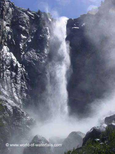 《酒一船》:优胜美地之水 — Vernal 瀑布_图1-2