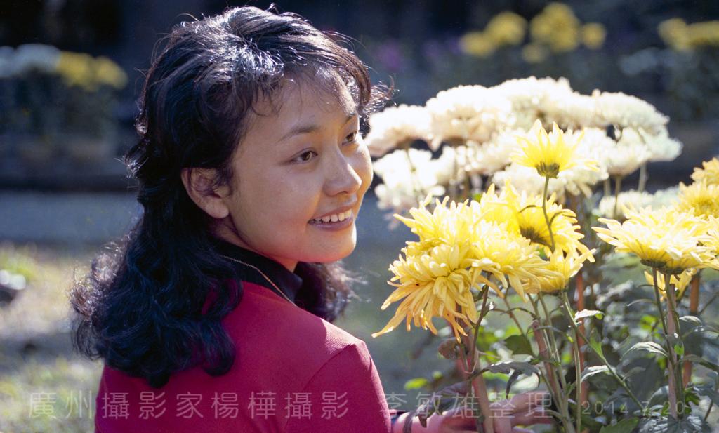 中国人的骄傲:著名歌唱家彭丽媛八十年代初的照片_图1-12