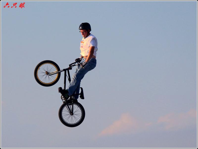 六只眼:勇者的运动---自行车特技_图1-5