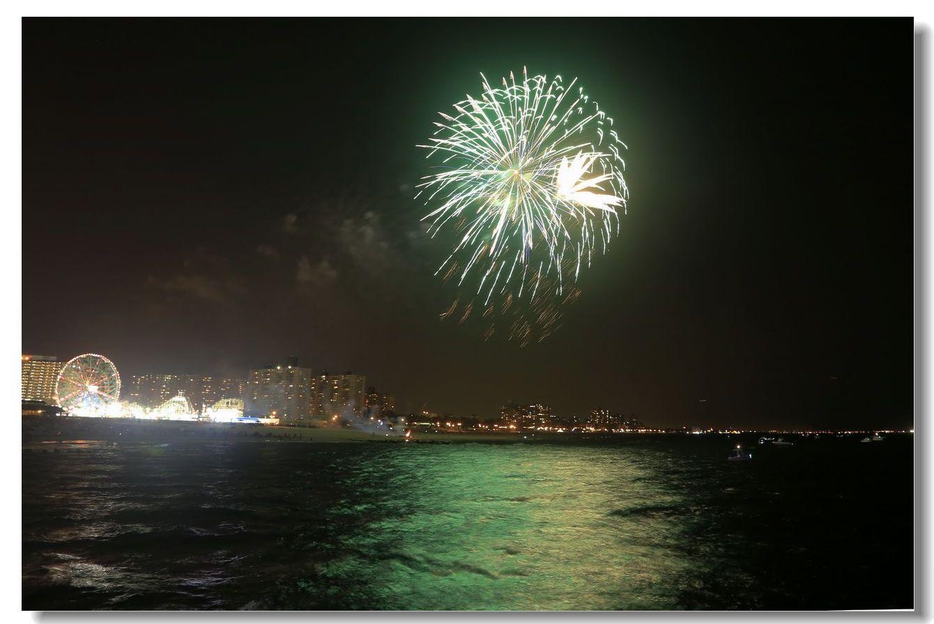 康尼岛的焰火_图1-17