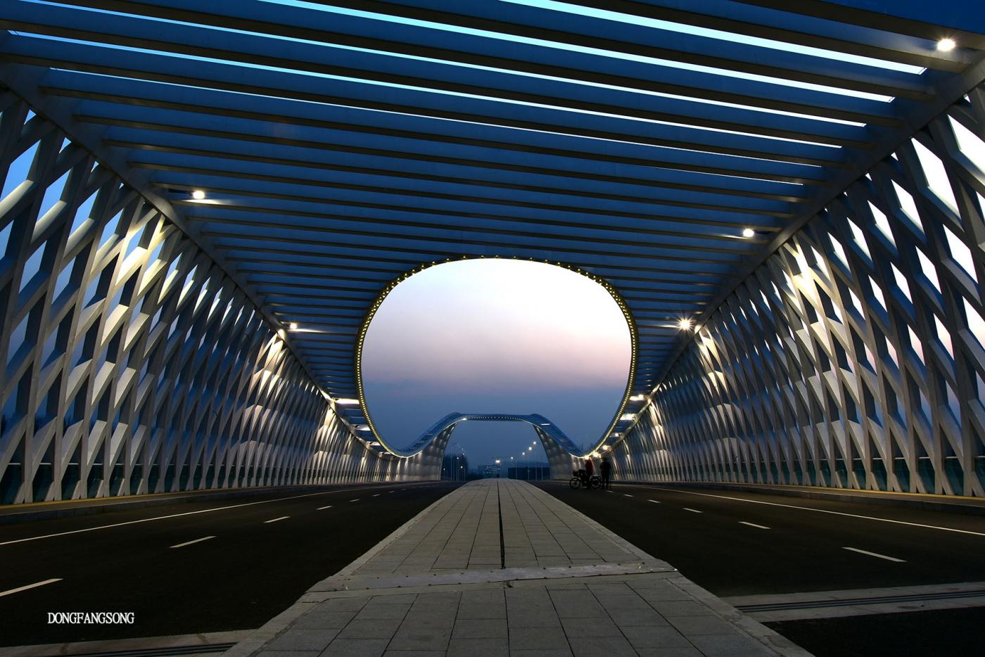 【東方頌0062】晚霞时分的桥_图1-5