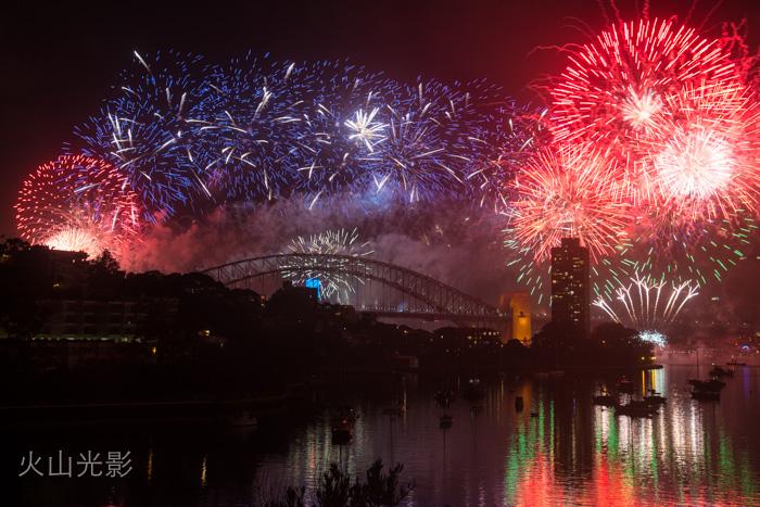 2015年悉尼新年焰火秀_图1-1