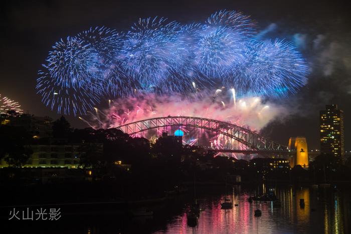 2015年悉尼新年焰火秀_图1-2