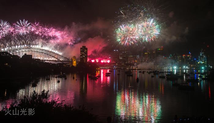 2015年悉尼新年焰火秀_图1-6