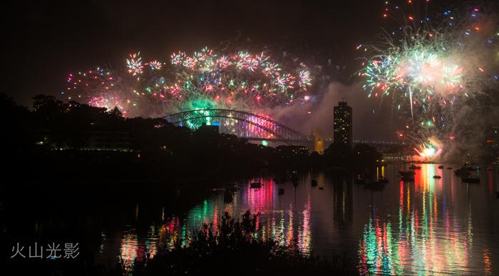 2015年悉尼新年焰火秀_图1-7
