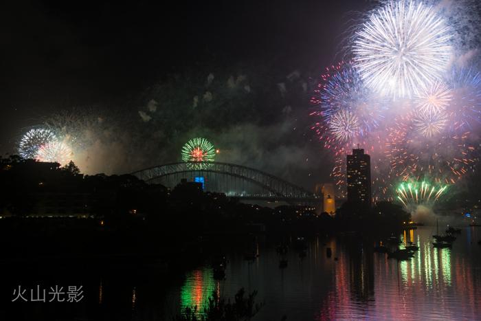 2015年悉尼新年焰火秀_图1-8
