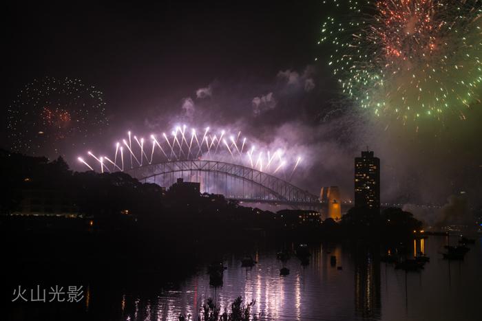 2015年悉尼新年焰火秀_图1-9