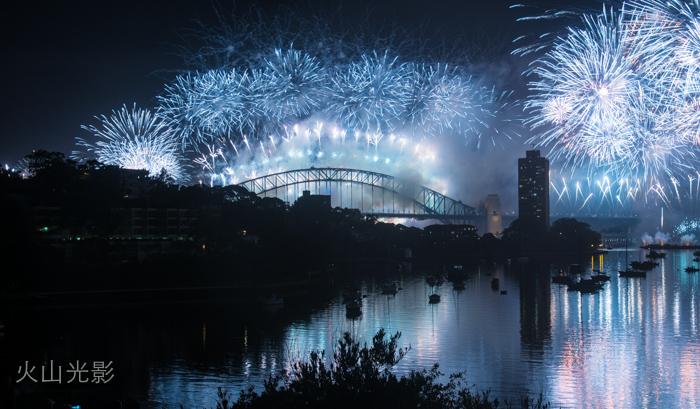 2015年悉尼新年焰火秀_图1-10