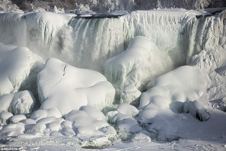 世界八大奇景之一被冻住了!_图1-5