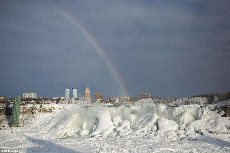 世界八大奇景之一被冻住了!_图1-2