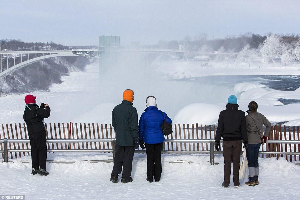 世界八大奇景之一被冻住了!_图1-4