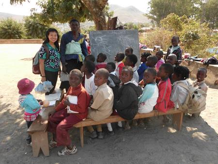 """莫桑比克囯会教授英语,她是""""中国第一人""""     (夏中华)_图1-14"""