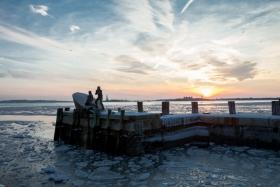 冰凌中的美国商船水手纪念碑
