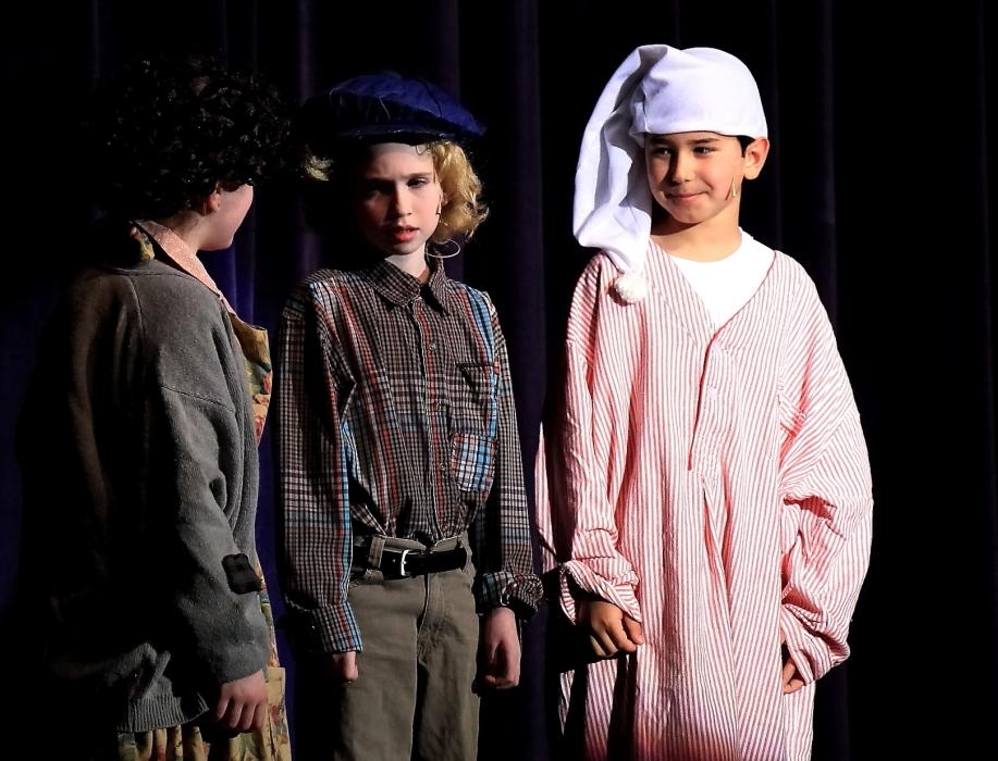 小学生演出的音乐剧《Willy Wonka》_图1-18