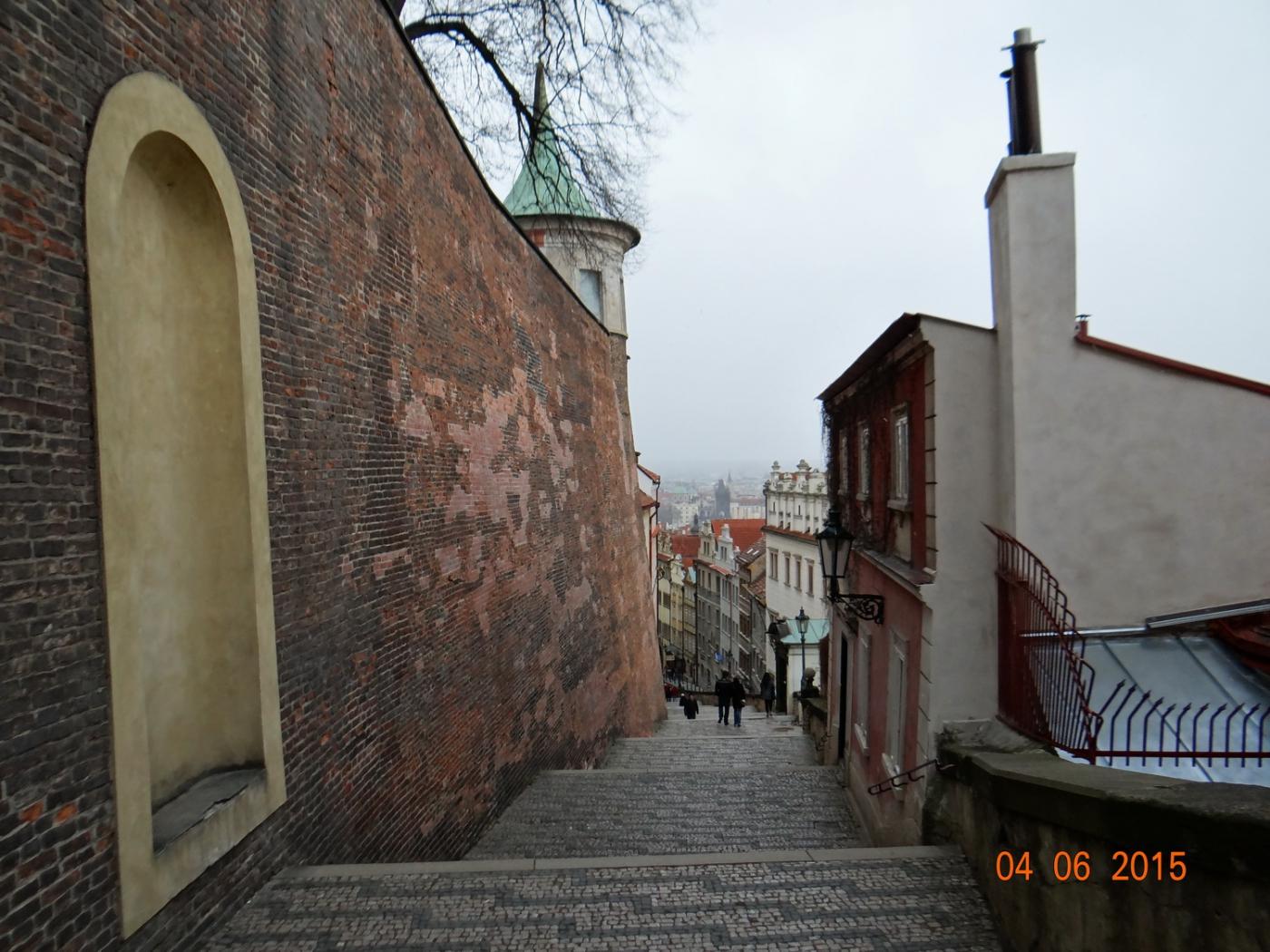 布拉格之春_图1-57